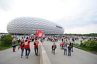 FUSSBALL  CHAMPIONS LEAGUE  SAISON 2012/2013  FINALE  Borussia Dortmund - FC Bayern Muenchen         25.05.2013 Fans pilgern zum Public Viewing in der Allianz Arena in Muenchen