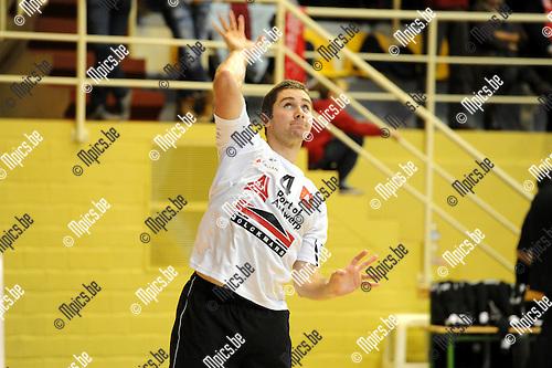 2012-11-20 / Volleybal / seizoen 2012-2013 /Antwerpen - Isku Tampere / Vincenzo Devany..Foto: Mpics.be
