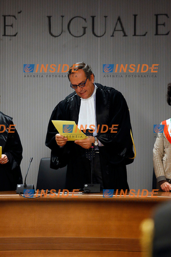 Judge Alessandro Nencini (C) reads the verdict, during the retrial session announcing the verdict on Amanda Knox of the U.S. and Raffaele Sollecito of Italy in Florence January 30, 2014.<br /> The court sentenced Amanda Knox to 28 O years in prison and Raffaele Sollecito to 25 years for the murder of Meredith Kercher in 2007. <br /> Florence 30/01/2014 <br /> Foto Insidefoto
