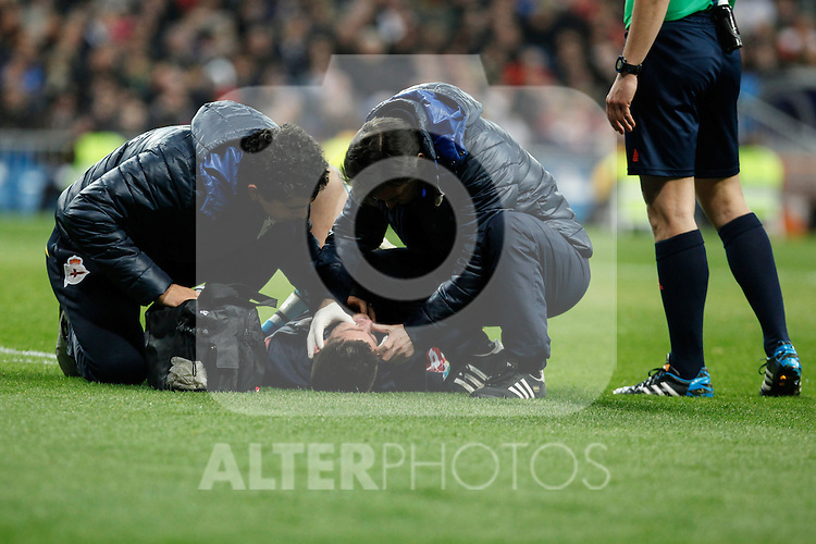 Deportivo de la Courna´s goalkeeper Fabricio receives a kick in his face during La Liga match at Santiago Bernabeu stadium in Madrid, Spain. February 14, 2015. (ALTERPHOTOS/Victor Blanco)