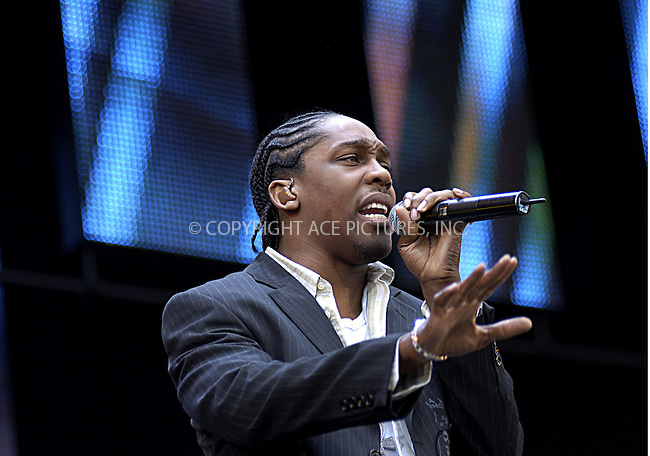 Lemar at 95.8 Capital FM's Party in the Park 2004. Hyde Park, London, 11 July 2004.  ..FAMOUS.PICTURES AND FEATURES AGENCY.tel  +44 (0) 20 7731 9333.fax +44 (0) 20 7731 9330.e-mail info@famous.uk.com.www.famous.uk.com.FAM13212