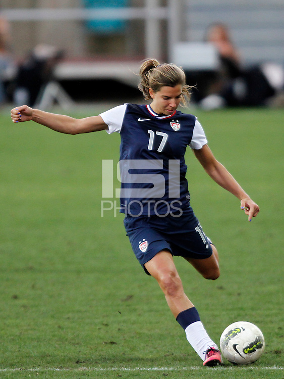 US's Tobin Heath kicks the ball during their Algarve Women's Cup soccer match at Algarve stadium in Faro, March 13, 2013.  .Paulo Cordeiro/ISI