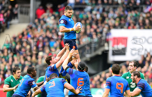 13.02.2016. Stade de France, Paris, France. 6 Nations Rugby international. France versus Ireland.  Damien Chouly ( France ) wins the lineout