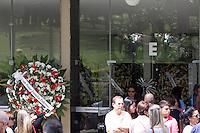 SAO PAULO, SP - 03.04.2015 -  VELORIO PILOTOS/FILHO GOVERNADOR - O Piloto Carlos Haroldo Gonçalves (53) e o Mecanico, Paulo Henrique (42) foram no cemitério de Congonhas na manhã desta sexta-feira (03) na zona sul da capital. Ambos estavam no helicóptero que se acidentou e resultou na morte do filho do governador Thomaz Alckmin na tarde da última quinta-feira (02).<br /> <br /> <br /> (Foto: Fabricio Bomjardim / Brazil Photo Press)