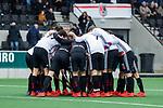 AMSTELVEEN -  teamhuddle Adam   tijdens de hoofdklasse competitiewedstrijd heren, AMSTERDAM-ROTTERDAM (2-2). COPYRIGHT KOEN SUYK