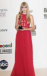 LAS VEGAS, CA - MAY 20: Taylor Swift poses in the press room at the 2012 Billboard Music Awards at MGM Grand on May 20, 2012 in Las Vegas, Nevada.