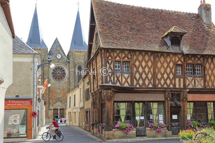 France, Indre (36), Levroux, la maison Saint-Jacques // France, Indre, Levroux, the House of Saint Jacques