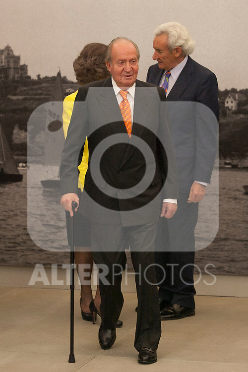 "King Juan Carlos of Spain and Queen Sofia of Spain with journalist Luis del Olmo during the ""REY DE ESPAÑA"" International Journalism Awards and ¨DON QUIJOTE"" Journalism Award in Madrid, Spain. May 27, 2014. (ALTERPHOTOS/Victor Blanco)"