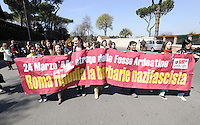 Roma, 23 Marzo 2009.Mausoleo delle Fosse Ardeatine.Le tombe dei 335 martiri uccisi dai nazisti il 24 Marzo 1944..Le scuole del municipio XI hanno attraversato il quartiere in corteo fino alle fosse ardeatine dove hanno liberato centinaia di palloncini con i nomi dei martiri...Rome, 23 March 2009.Mausoleum of the Ardeatine.The graves of 335 martyrs killed by the Nazis March 24, 1944