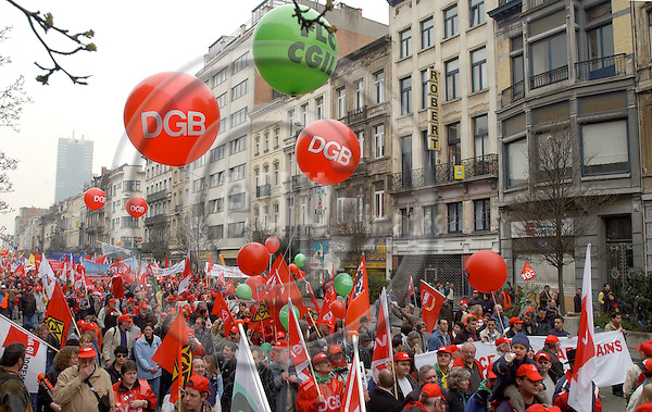 Brussels-Belgium - 19 March 2005---The European Trade Union Confederation (ETUC) called for a demonstration and more than 50.000 demonstrators came into the city of Brussels to demand more and better jobs, to defend a social Europe and to withdraw the Bolkestein directive; here, participants from DGB---Photo: Horst Wagner/eup-images