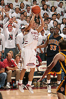 19 November 2005: Jason Haas from Stanford's 79-63 loss to UC Irvine at Maples Pavilion in Stanford, CA.