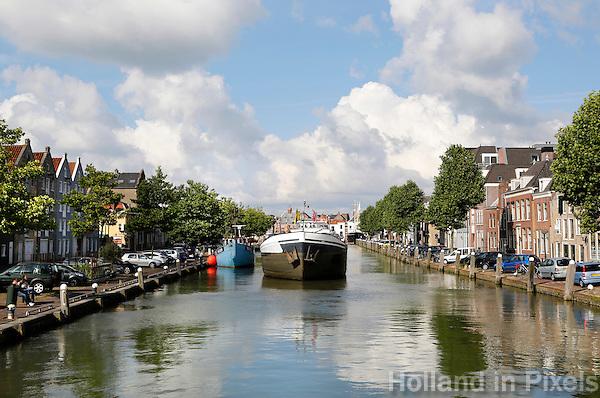 Nederland Maassluis.  2016 08 05.  Schip in het Hellinggat. Foto Berlinda van Dam / Hollandse Hoogte