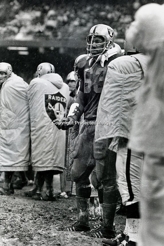 Raider lineman Gene Upshaw standing in the mud..(copyright 1970 Ron Riesterer)