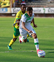 NEIVA - COLOMBIA - 16 - 07 - 2017: Andres Roa (Der.) jugador de Deportivo Cali, durante partido entre Atletico Huila y Deportivo Cali, de la fecha 2 por la Liga Aguila II 2017 en el estadio Guillermo Plazas Alcid de Neiva. /Andres Roa (R) player of Deportivo Cali, during a match agaisnt Atletico Huila  of the date 2nd for the Liga Aguila II 2017 at the Guillermo Plazas Alcid Stadium in Neiva city. Photo: VizzorImage  / Sergio Reyes / Cont.