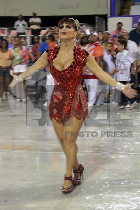 RIO DE JANEIRO; RJ; 20 DE JANEIRO 2013 - ENSAIOS TÉCNICOS CARNAVAL RJ - A rainha da Académicos do Salgueiro Viviane Araújo na Sapucaí. FOTO: NÉSTOR J. BEREMLUM - BRAZIL PHOTO PRESS.