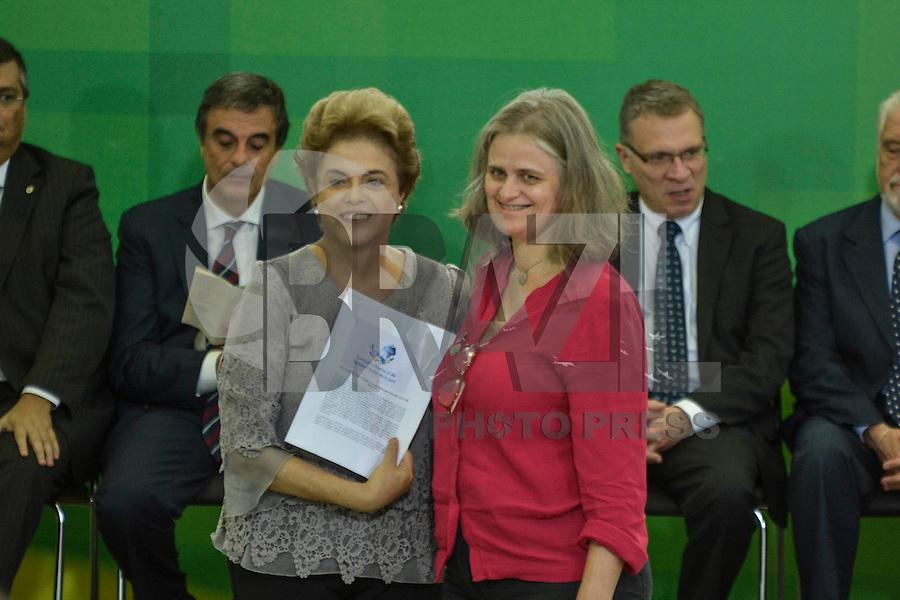 BRASÍLIA, DF, 22.03.2016 – AGENDA-DILMA – A presidente Dilma durante encontro com Juristas pela Legalidade e em Defesa da Democracia, no Palácio do Planalto, na manhã desta terça-feira, 22. (Foto: Ricardo Botelho/Brazil Photo Press)