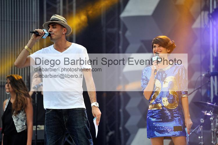 (KIKA) - TORINO, 29/06/2012 - Marracash e Angela Lenti presentano la prima serata degli MTV Days in piazza Castello a Torino, il 29 giugno 2012.