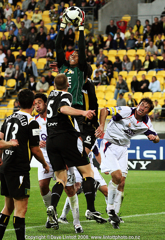 Perth keeper Tando Velaphi makes a save during the A-League football match between the Wellington Phoenix and Perth Glory at Westpac Stadium, Wellington, New Zealand on Saturday, 13 December 2008. Photo: Dave Lintott / lintottphoto.co.nz