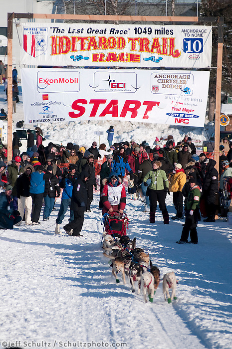 2010 Iditarod Re-start in Willow Alaska musher # 71 JASON BARRON.
