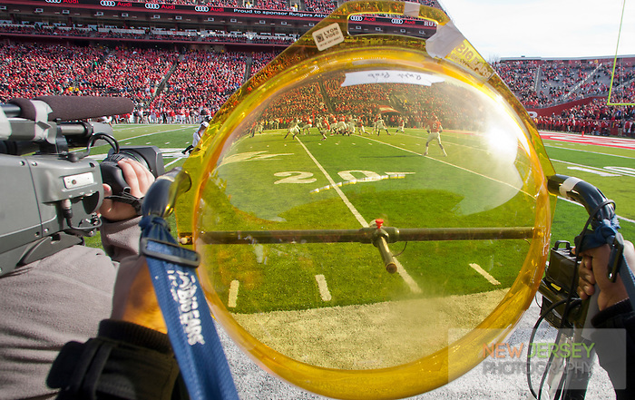Parabolic Audio Disc, Scarlet Knights Football Game, High Point Solutions Stadium, New Brunswick, New Jersey