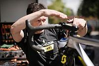 Mitchelton-Scott mechanics at work<br /> <br /> 102nd Giro d'Italia 2019<br /> <br /> ©kramon