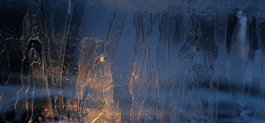 Fine art.Ice details mostly captured with a macro lens, Fotokunst. Isdetaljer foreviget med makro-objektiv.