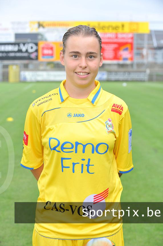 Waasland Beveren - Sinaai Girls : Stefanie Van Broeck.foto DAVID CATRY / Vrouwenteam.be / LOFT6.be