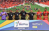 TUNJA - COLOMBIA, 16-02-2020: Jorge Tabares Cano referee central entre  Patriotas Boyacá y el Independiente Santa Fe durante partido entre Patriotas Boyacá y el Independiente Santa Fe por la fecha 5 de la Liga BetPlay I 2020 jugado en el estadio La Independencia de la ciudad de Tunja. / Central referee Jorge Tabares Cano between Patriotas Boyaca and Independiente Santa Fe during match between Patriotas Boyaca and Independente Santa Fe for the date 5 as part of BetPlay League I 2020 played at La Independencia stadium in Tunja. Photo: VizzorImage / José Miguel Palencia / Cont /