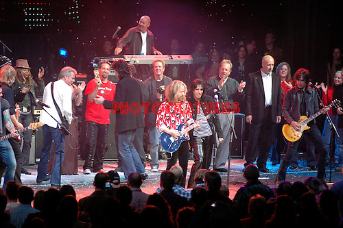 Alice Cooper Christmas Pudding Finale..at Alice Cooper's Christmas Pudding show to benefit his Solid Rock Foundation for children, Dodge Theatre in Phoenix, December 17th 2005...Photo by Chris Walter/Photofeatures