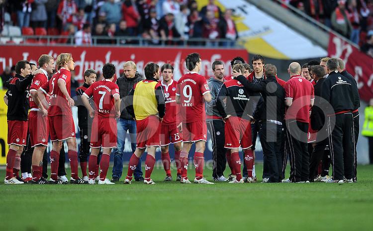 2. Fussball Bundesliga:  Saison   2009/2010  , 32.  Spieltag  Kaiserslautern - Hansa Rostock    23.04.2010 Enttaeuschung um Trainer Marco Kurz (Lautern)