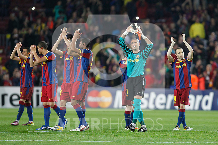 FC Barcelona's Pedro Rodriguez, Ibrahim Afellay, Sergio Busquets, Seydou Keita, Victor Valdes and Andres Iniesta celebrate the victory in the UEFA Champions League Semifinal match.May 3,2011.(ALTERPHOTOS/Acero)