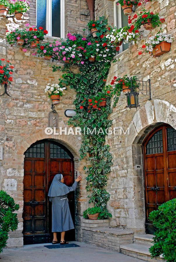 Casa medieval em Assis. Umbria. Itália. 2006. Foto de Luciana Whitaker.