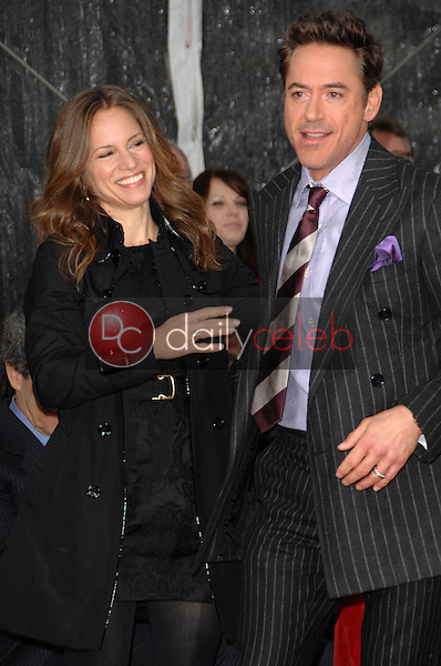 Robert Downey Jr. and wife Susan Levin<br /> at Robert Downey Jr. Hand and Footprints Ceremony, Chinese Theater, Hollywood, CA. 12-07-09<br /> David Edwards/Dailyceleb.com 818-249-4998