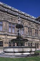 Europe/Autriche/Niederösterreich/Vienne: L'opéra et sa fontaine