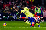 Samuel Umtiti of FC Barcelona (L) fights for the ball with Diego Costa of Atletico de Madrid (R) during the La Liga 2018-19 match between Atletico Madrid and FC Barcelona at Wanda Metropolitano on November 24 2018 in Madrid, Spain. Photo by Diego Souto / Power Sport Images