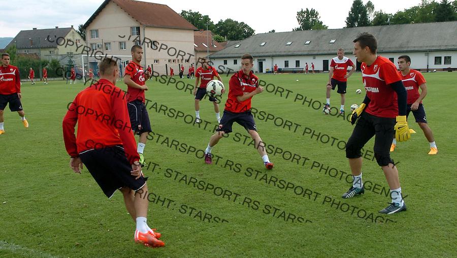 FUDBAL - PRIPREME - CRVENA ZVEZDA - TRENING - Dusan Zivkovic (L), Nikola Jovanovic (C) i Jovan Vicic fudbaleri Crvene Zvezde na treningu.<br /> Brezice, 18.06.2015.<br />                              foto:N.Skenderija