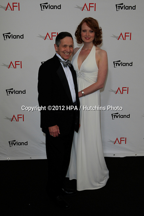 CULVER CITY - JUN 7: Sen. Dennis Kucinich, Elizabeth Kucinich at the 40th AFI Life Achievement Award honoring Shirley MacLaine held at Sony Pictures Studios on June 7, 2012 in Culver City, California
