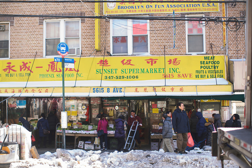 NEW YORK, NY - March, 17, 2017: A walk down 8th Avenue in Sunset Park's Chinatown.<br /> <br /> Credit: Clay Williams.<br /> <br /> &copy; Clay Williams / http://claywilliamsphoto.com