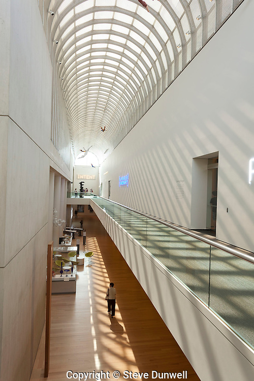 Linde gallery wing, Museum of Fine Art, Boston, MA (I M Pei, architect)