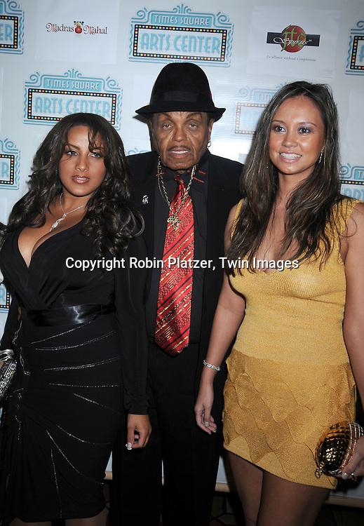 Joe Jackson and Taina and Crystal Marven