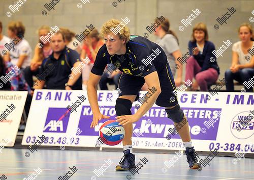 2014-08-30 / Volleybal / seizoen 2014-2015 / Amigos Zoersel / Robin Blondeel<br /><br />Foto: Mpics.be