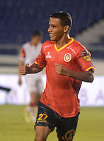 BARRANQUIILLA -COLOMBIA- 25-10-2014. Nelino Jose Tapia (Izq) de Uniauntónoma celebra un gol anotado a Independiente en partido por la fecha 16 de la Liga Postobón II 2014 jugado en el estadio Metropolitano de la ciudad de Barranquilla./ Nelino Jose Tapia (L) player of Uniautonoma celebrates a goal scored to Independiente Santa Fe during match valid for the 16th date of the Postobon League II 2014 played at Metropolitano stadium in Barranquilla city.  Photo: VizzorImage/Alfonso Cervantes/STR