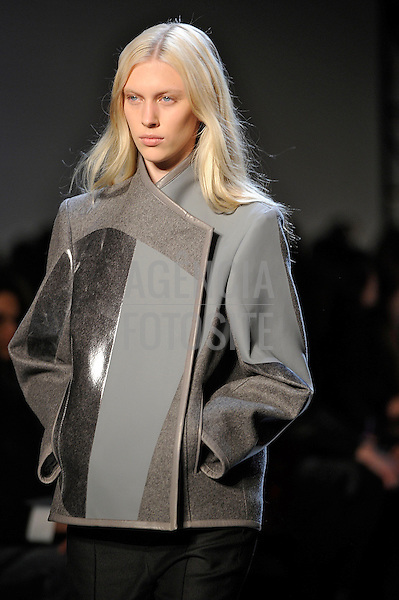 New York, EUA &ndash; 08/02/2013 - Desfile de Helmut Lang durante o New York Fashion Week  -  Inverno 2013. <br /> Foto: Firstview/FOTOSITE