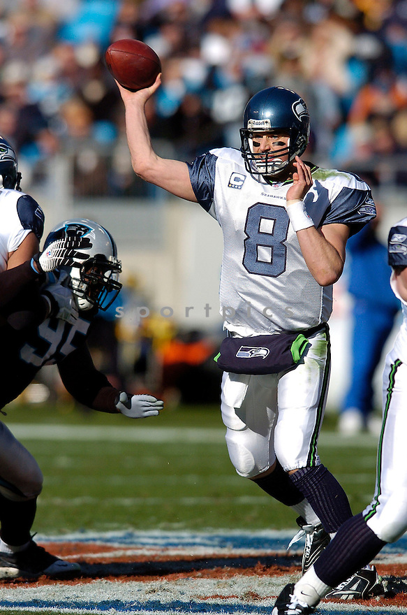 MATT HASSELBECK, of the Seattle Seahawks  in action during the Seahawks game against the Carolina Panthers  on December 16, 2007 in Charlotte, North Carolina...PANTHERS win 13-10..SPORTPICS