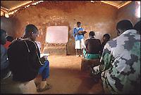 Mozambico,maestra di una scuola elementare in provincia di Nampula