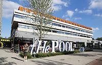 Nederland  Amsterdam  2016 .  Restaurant The Pool in een gebouw van The Student Hotel aan de Wibautstraat. Foto Berlinda van Dam / Hollandse Hoogte