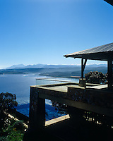 Below the terrace lies the infinity pool which leads out from the main hall and deck and looks over the Swartvlei estuary