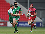 Connacht's Ian Porter whips the ball wide <br /> <br /> Rugby - Scarlets V Connacht - Guinness Pro12 - Sunday 15th Febuary 2015 - Parc-y-Scarlets - Llanelli<br /> <br /> &copy; www.sportingwales.com- PLEASE CREDIT IAN COOK