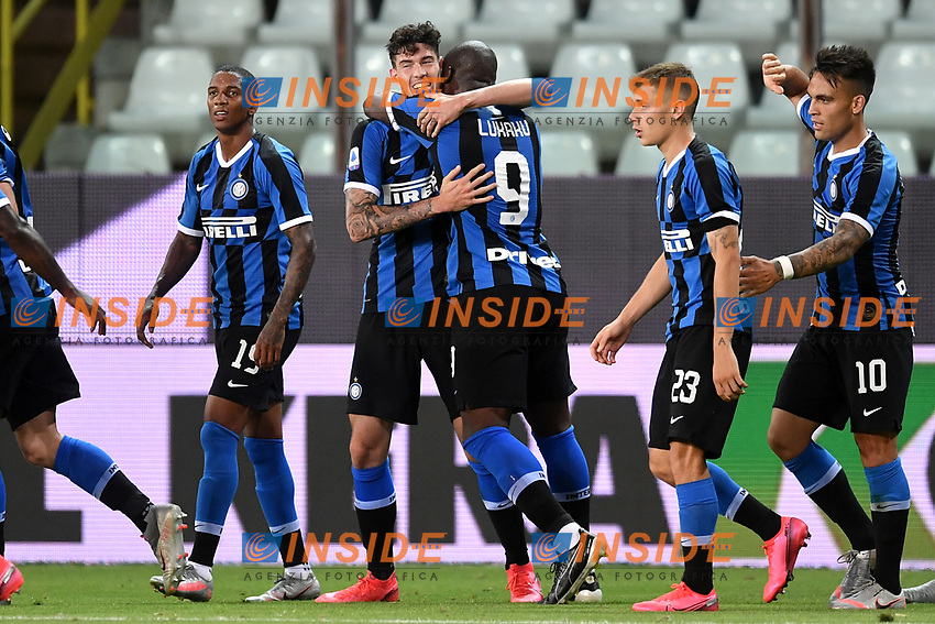 Alessandro Bastoni of FC Internazionale celebrates with Romelu Lukaku  after scoring the goal of 1-2 during the Serie A football match between Parma and FC Internazionale at stadio Ennio Tardini in Parma ( Italy ), June 28th, 2020. Play resumes behind closed doors following the outbreak of the coronavirus disease. <br /> Photo Andrea Staccioli / Insidefoto