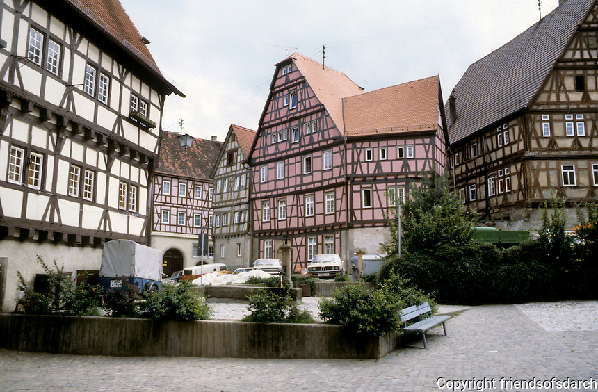 Bad Wimpfen: Buildings around the square. Fachwerk design. Photo '87.